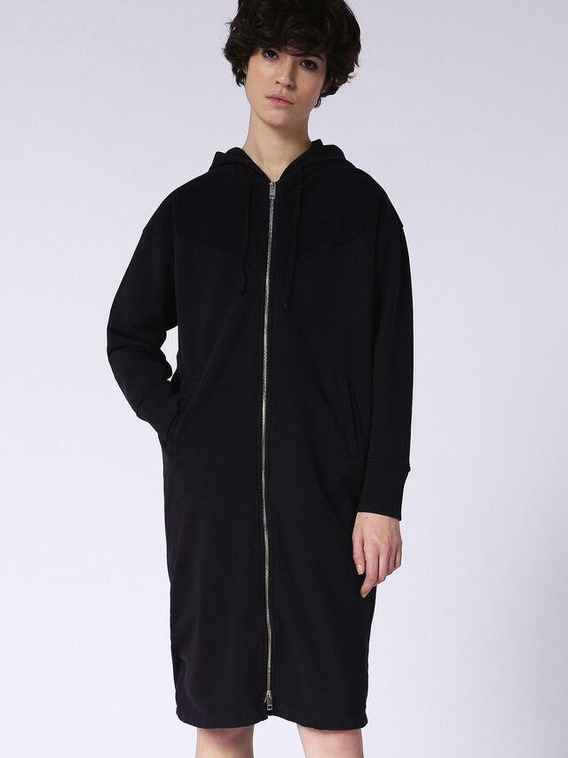 G-CIAR, Opaque Black