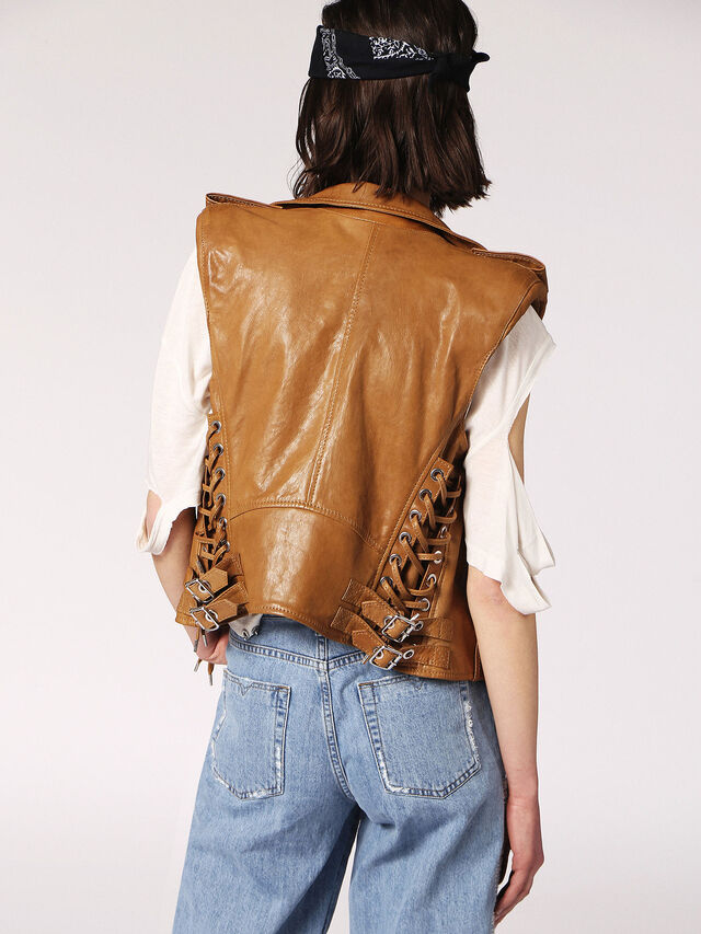 L-RATA, Brown Leather