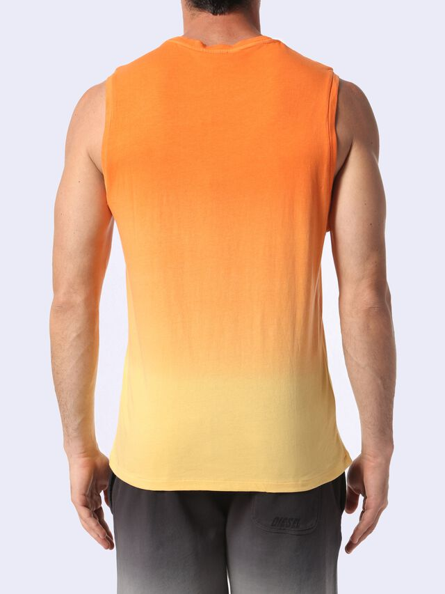 BMOWT-ADAMY, Orange