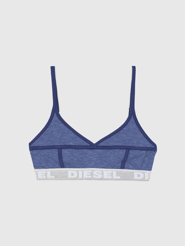 https://gr.diesel.com/dw/image/v2/BBLG_PRD/on/demandware.static/-/Sites-diesel-master-catalog/default/dw92037d20/images/large/A03195_0QCAY_8AR_O.jpg?sw=594&sh=792