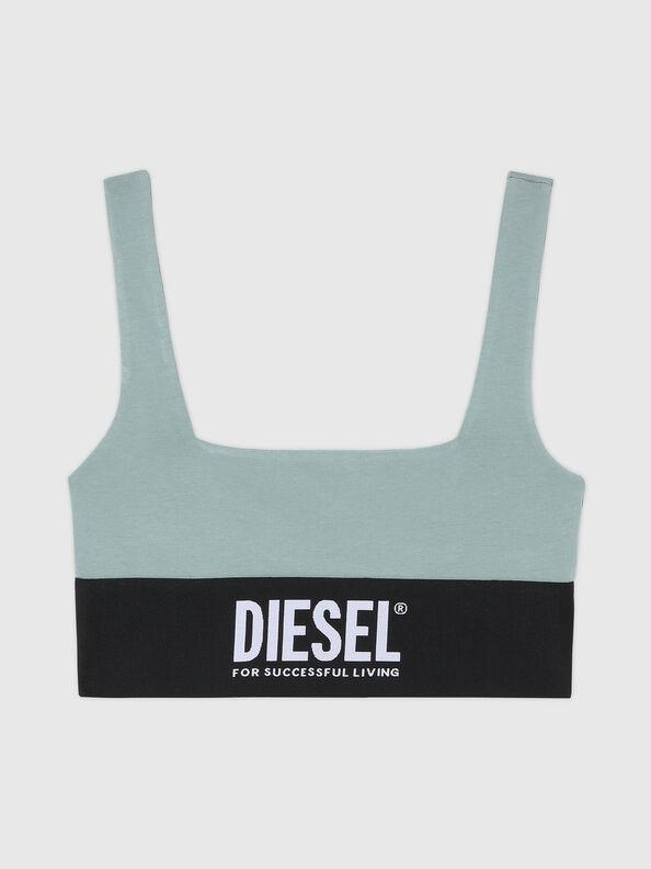 https://gr.diesel.com/dw/image/v2/BBLG_PRD/on/demandware.static/-/Sites-diesel-master-catalog/default/dwcdeba2e1/images/large/A01952_0DCAI_5BQ_O.jpg?sw=594&sh=792